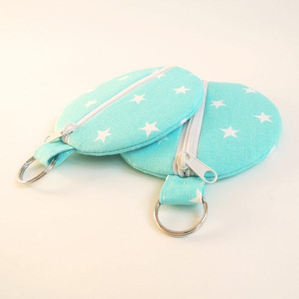kulaté modré textilní pouzdro na zip s kroužkem na pověšení