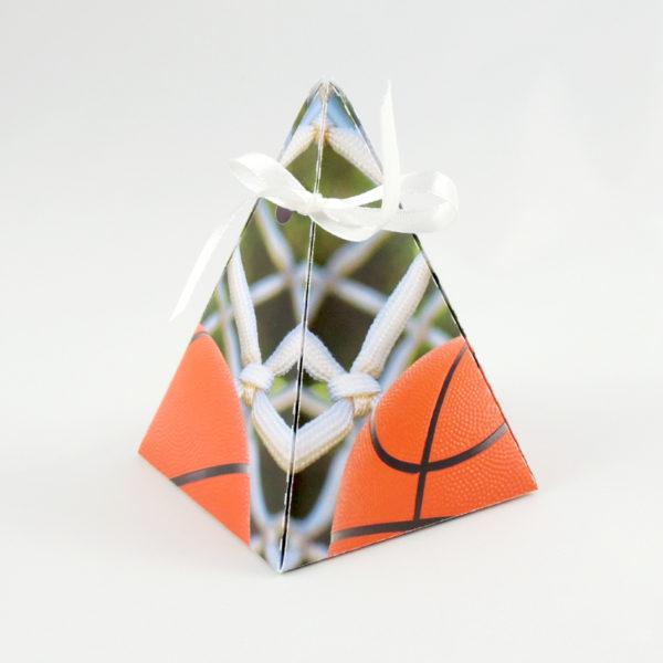 dárková krabička k sestavení tvar jehlanu motiv basketbalu