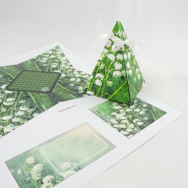 dárková krabička k vlastní výrobě po vytištění na tiskárně tvar jehlanu motiv konvalinek
