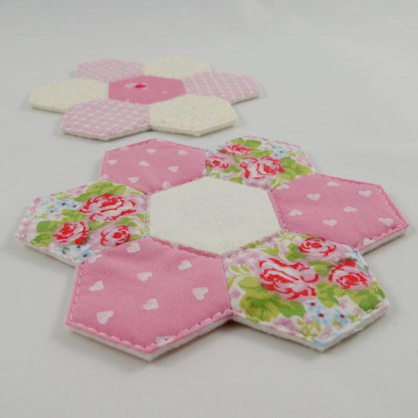 kytičky růžová podložka pod hrníček ručně šitá patchwork