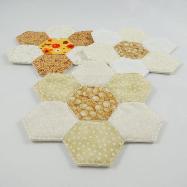 elegantní podložka pod hrníček filc ručně šitá patchwork