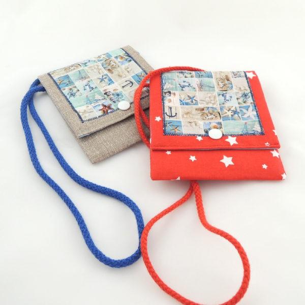 Dětské textilní kapsičky na šňůrce, obrázek s mořskými motivy, zapínání na stiskací druk.