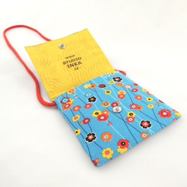 Dětské textilní kapsičky na šňůrce, obrázek opiček, zapínání na stiskací druk.