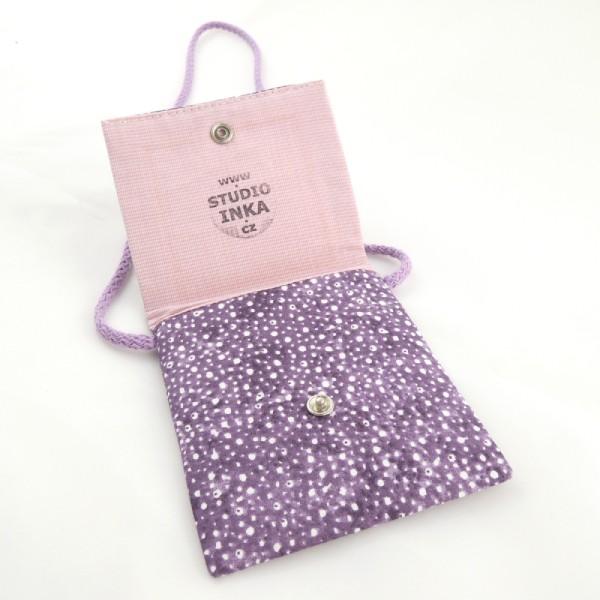 Dětské textilní kapsičky na šňůrce, obrázek pejsků, zapínání na stiskací druk.