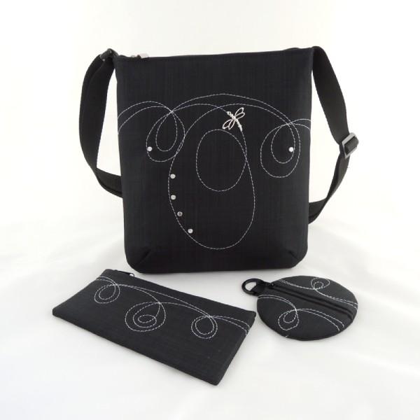 sada sportovní kabelky, pouzdra a peněženky ve stejném stylu z černého softshellu s ozdobným prošíváním