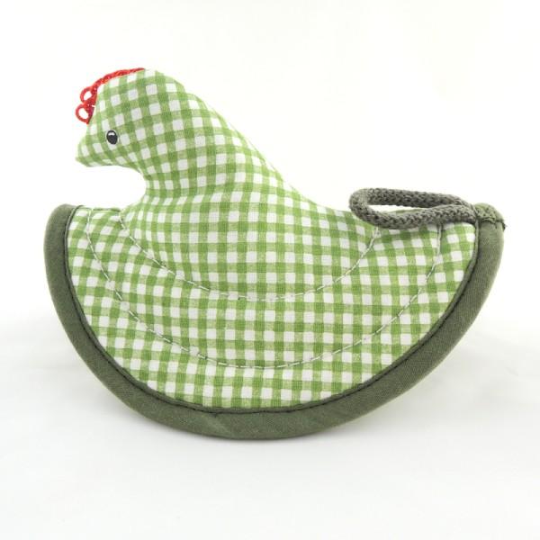 Kuchyňské chňapky ve tvaru slepičky s červeným hřebínkem a poutkem na pověšení. Jemné zelené káro.