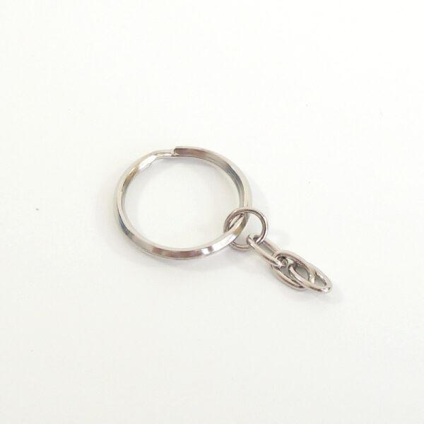 stříbrný kroužek na klíče s řetízkem