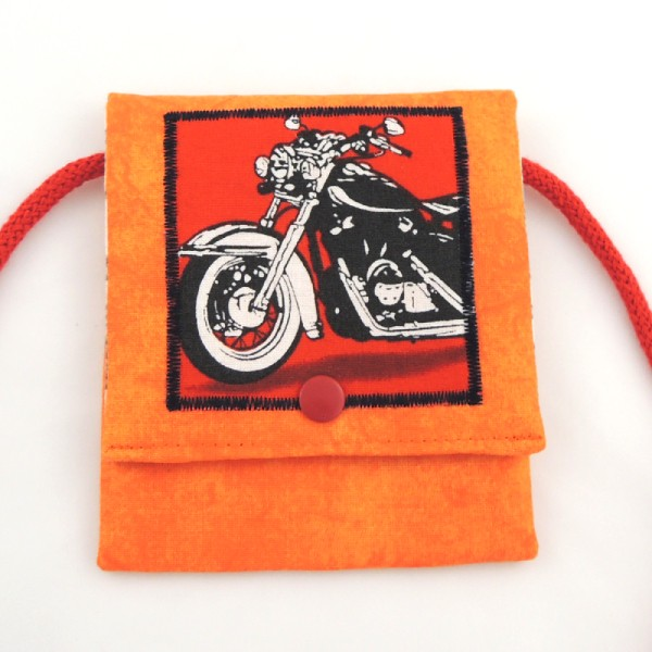 oranžová kapsička na krk s obrázkem motorky