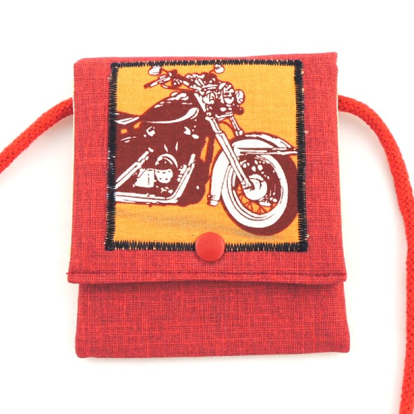 vínová kapsička na krk s obrázkem motorky
