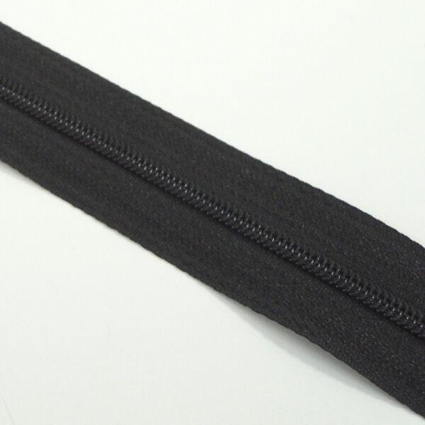 černý zdrhovadlový pás, spirála, zip v metráži